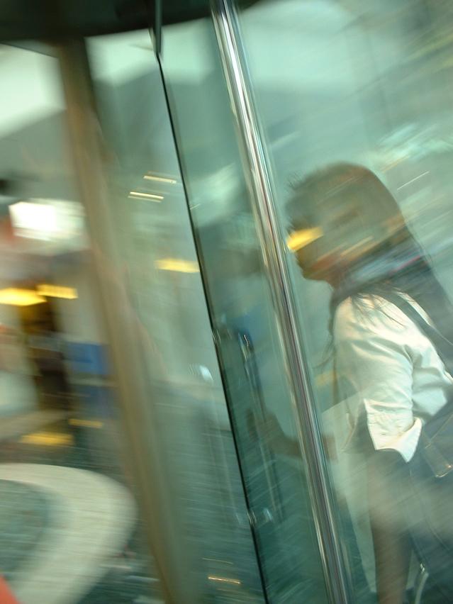 דלתות זכוכית ואלומיניום לעסקים
